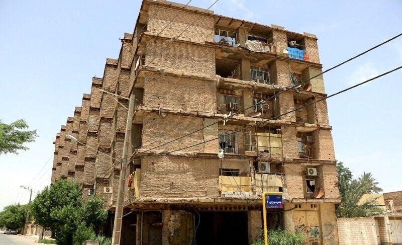 سکونت در خطرناکترین مجتمع مسکونی خرمشهر