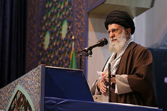 آن روزی که موشک های سپاه، پایگاه آمریکایی را در هم کوبید، ایام الله است/ آمریکایی ها داعش را درست کردند تا ایران را بزنند/ حادثه سقوط هواپیما دل ما را سوزاند