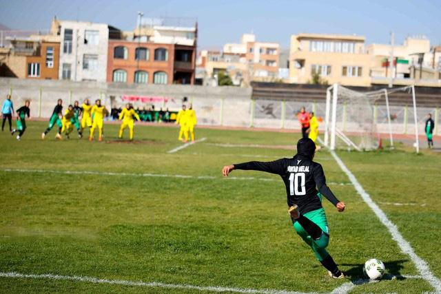 آویسا خوزستان در هفته پانزدهم لیگ برتر فوتبال بانوان کشور از ساعت ۱۰ صبح امروز، جمعه ۱۱ بهمن، در دیداری خارج از خانه، رو در روی تیم سپاهان اصفهان قرار گرفت.