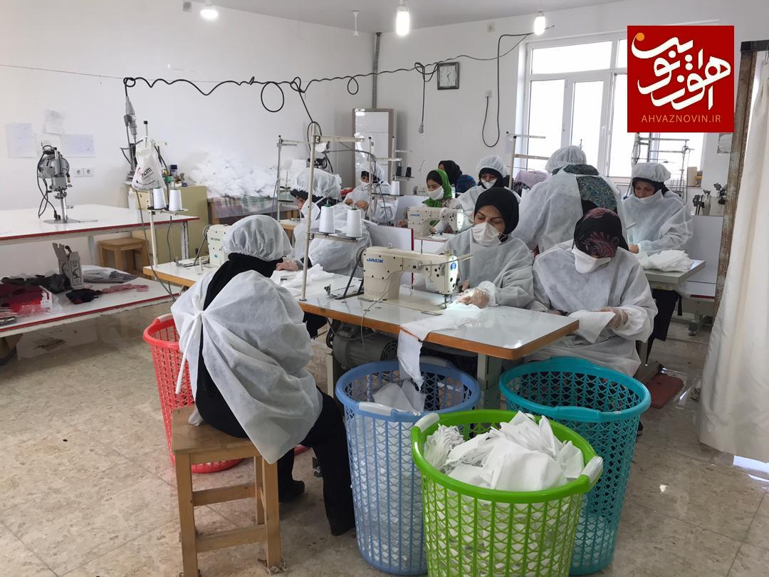 راه اندازی کارگاه تولید ماسک به همت زنان انقلابی اهواز