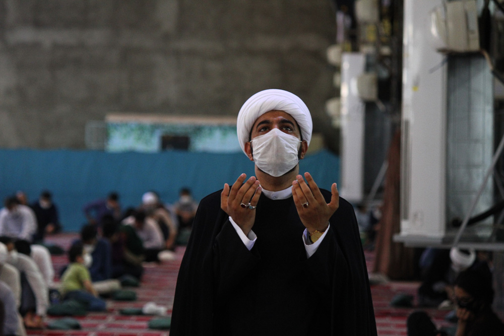 برگزاری دعای عرفه با رعایت پروتکل بهداشتی در مصلی امام خميني اهواز