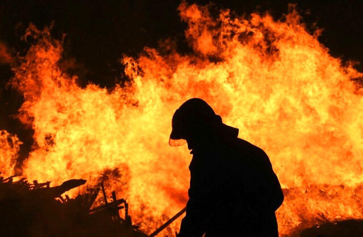 نجات جان ۱۸ نفر در یک حادثه آتشسوزی در اهواز