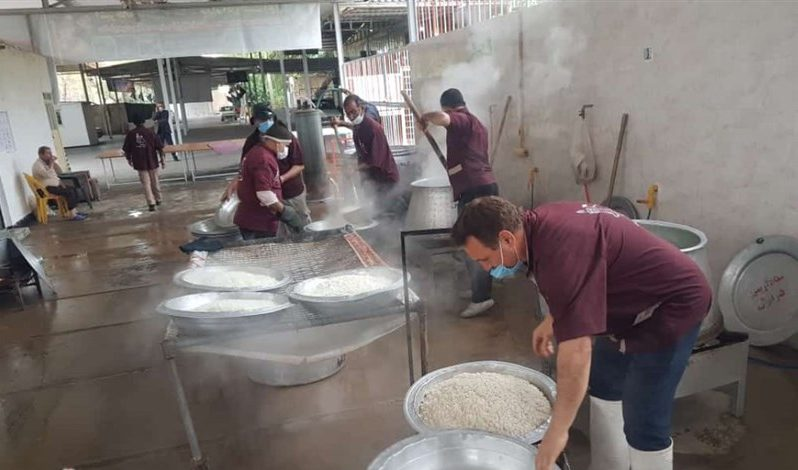 طبخ و توزیع غذای گرم در دزفول به مناسبت شهادت حضرت زهرا(س)