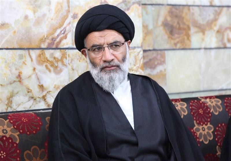 امام جمعه اهواز: نگاه مسئولان به غرب نخبگان را ناامید میکند