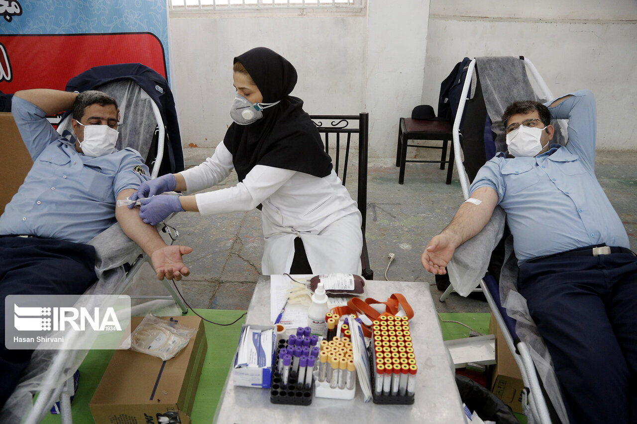مردم در پویش اهدای خون ماه مبارک رمضان مشارکت کنند