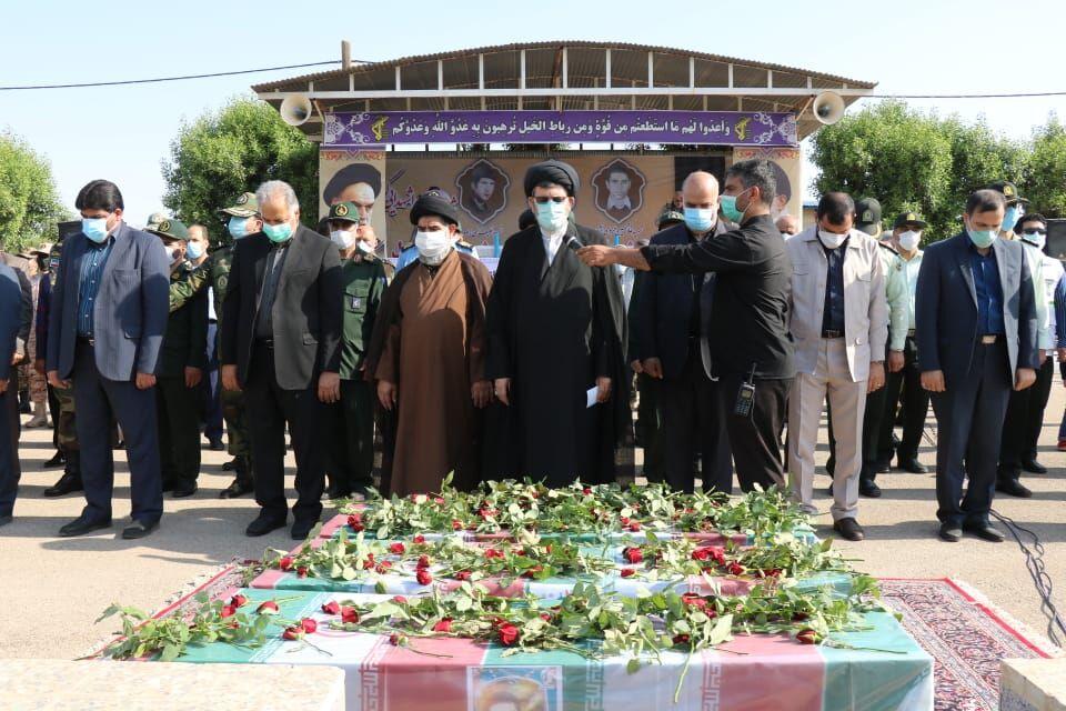 پیکرهای مطهر سه شهید دفاع مقدس در دزفول تشییع شد